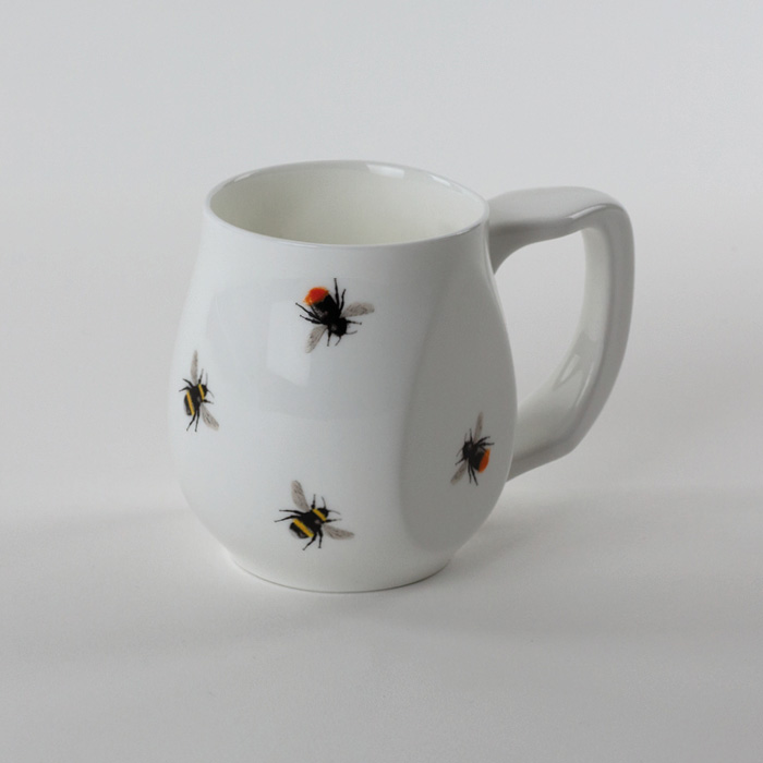 White tailed and red tailed bumble bee mug